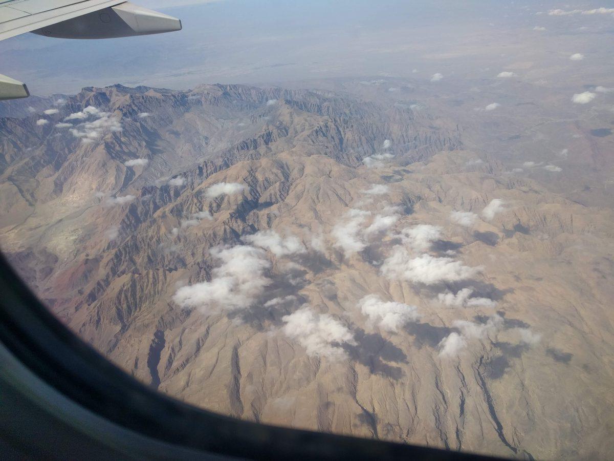 Greenwash your flight; een handleiding voor navigatie in het dwaalbos der klimaatcompensatie